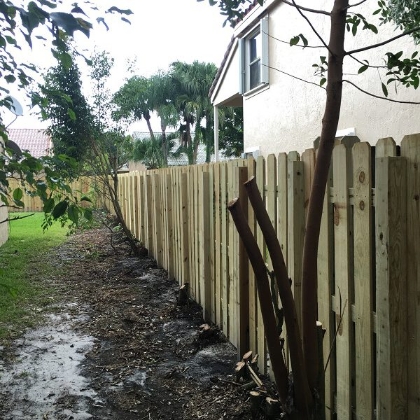 el paso fence company performing fence installation services